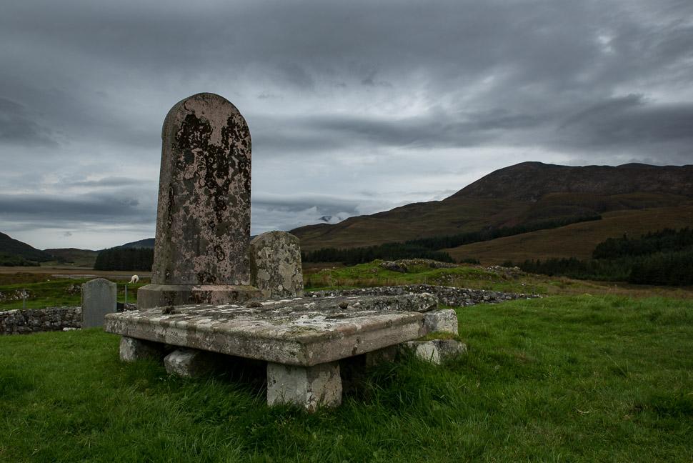 altes Grabmal auf der Isle of Skye