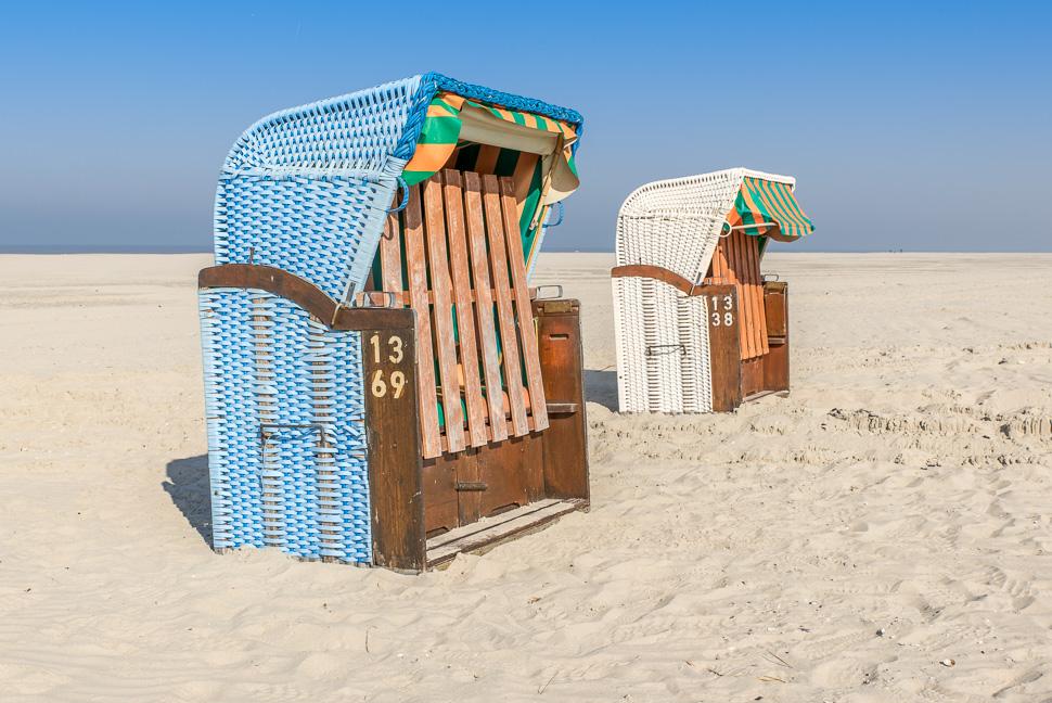 Strandkörbe am Strand von Juist
